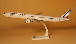 Air-France-Boeing-777-300ER-1-200-Herpa-Snap-Fit-FlugzeugModell-608909-NEU-B777