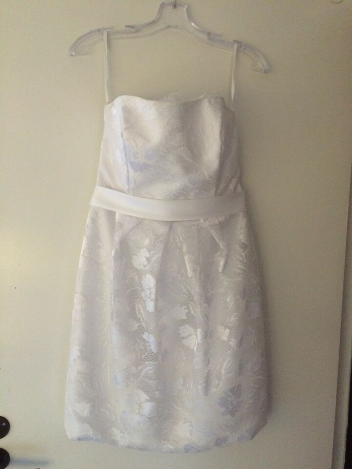 Anden kjole, Lilly, str. L