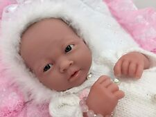 BERENGUER LA NEWBORN + MAGNETIC DUMMY 2 OUTFITS AC BABY GIRL DOLL PLAY OR REBORN