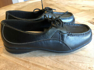cobbie cuddlers carlisle black leather casual oxford shoes
