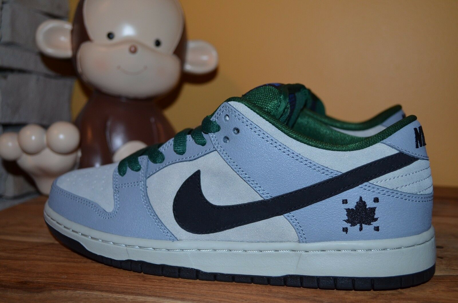 NEW NIKE DUNK LOW PREMIUM SB Maple Leaf SZ 11 Dove Grey/Gorge Green 313170-021