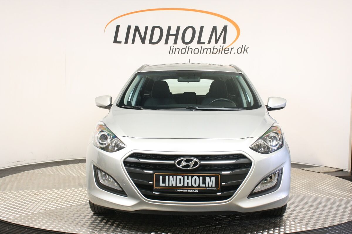 Hyundai i30 1,6 CRDi 110 Life CW DCT