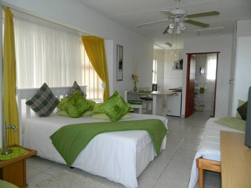 Sea view self catering holiday units