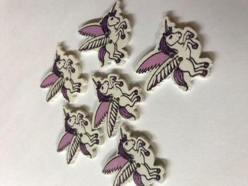 31mm x 30mm Free UK P/&P 6 Purple pretty winged unicorn wooden buttons