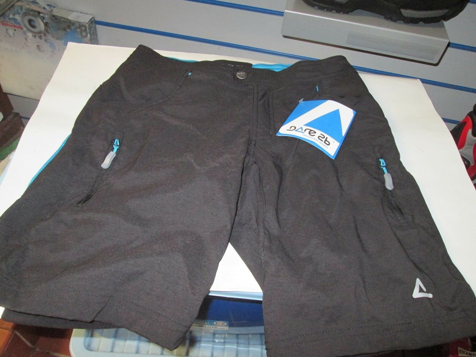 LADIES CYCLE SHORTS  DARE 2 B SIZE 8  just buy it
