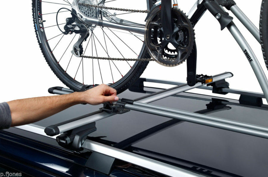 Thule FreeRide 532 Roof Mounted Cycle / Bike Bike / Carrier x 3 93a0c8