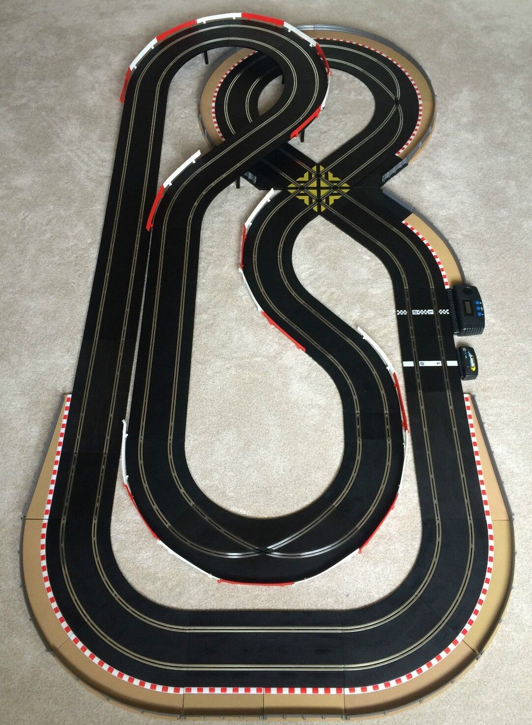 Scalextric Sport Layout with Lap Counter   Corner Xovers & 2 Cars