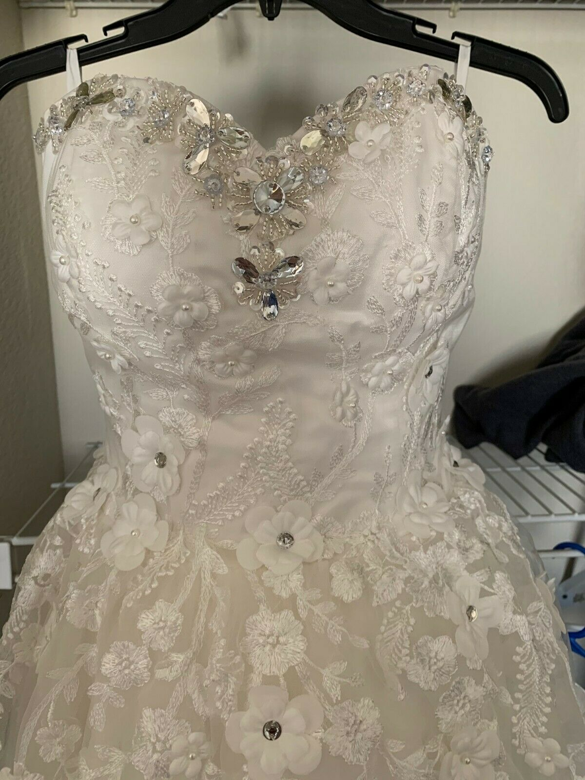 Ball Gown Sweetheart Neck Sequins Wedding Dress with Free Veil, Ivory