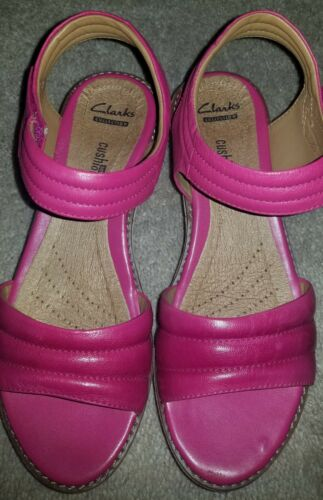 NWOB Clarks Collection Shoes Soft Gel Cushion Plat