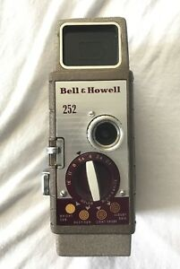 Bell & Howell 252 8 MM Film Camera 10MM Super Comat Mint Condition, Runs