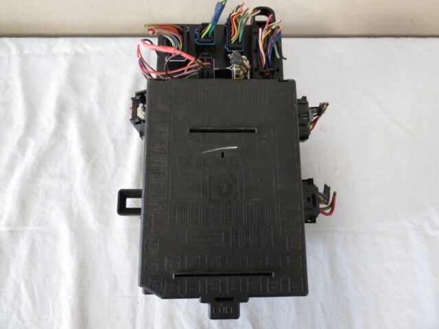 03 04 05 06 Ford Expedition Lincoln Navigator Fuse Box Relay Computer Unit N5p4d