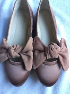 d3330e625d8b NWT Women s Kenneth Cole Pauline Rose Satin W  Suede Bow Ballet ...