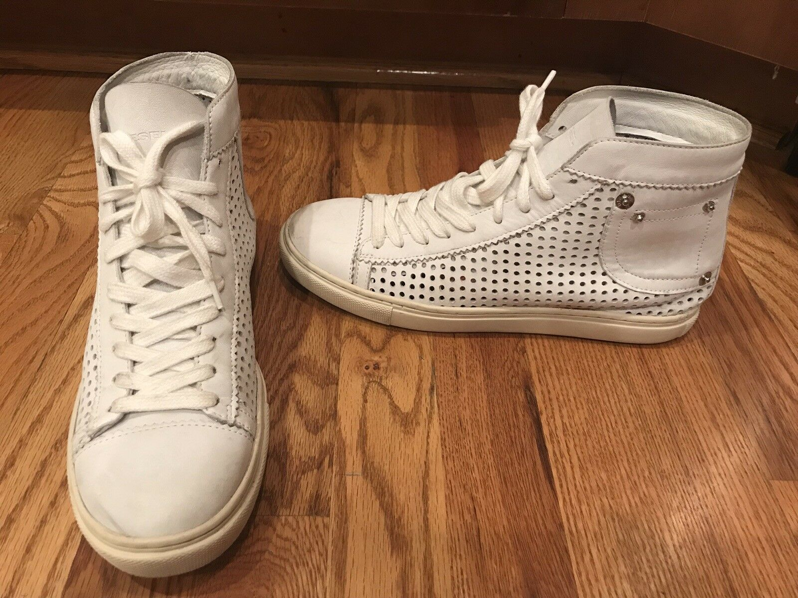 DIESEL PERFORATED LEATHER HIGH TOP SNEAKERS SHOES 40/9-5 M