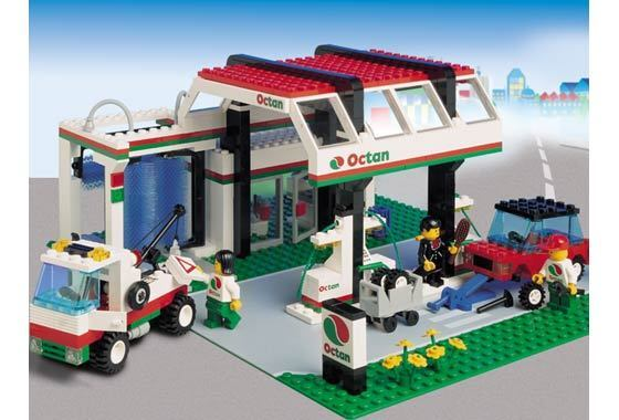 Lego Town CLASSIC Town 6472 Gas N' Wash Express  New Sealed