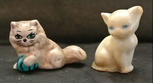 Vintage-Ceramic-and-Plastic-Small-Kitty-Cats