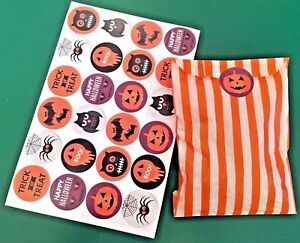 Halloween-Orange-amp-White-sweet-paper-party-bags-with-35mm-stickers-pack-of-24