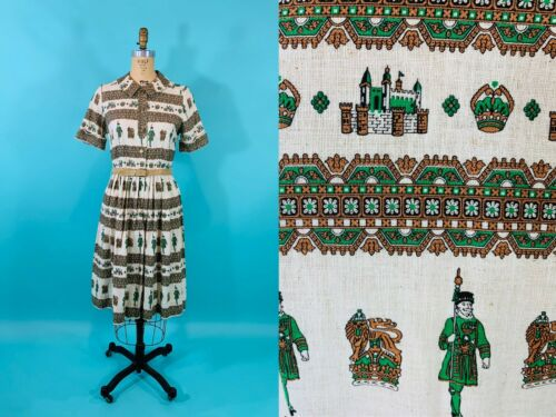 Vintage 1950s Scenic Novelty Print Cotton Belted S