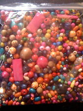 Lavoro enorme LOTTO 1 KG BRAND NEW MIXED Brillante Multi Colore perline in legno