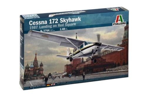 CESSNA 172 SKYHAWK Landing on Red Square 1987 1:48 IT2764 kit Miniature