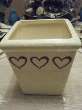 CREAM FLOWER POT WITH HEARTS 5 INCH SQUARE