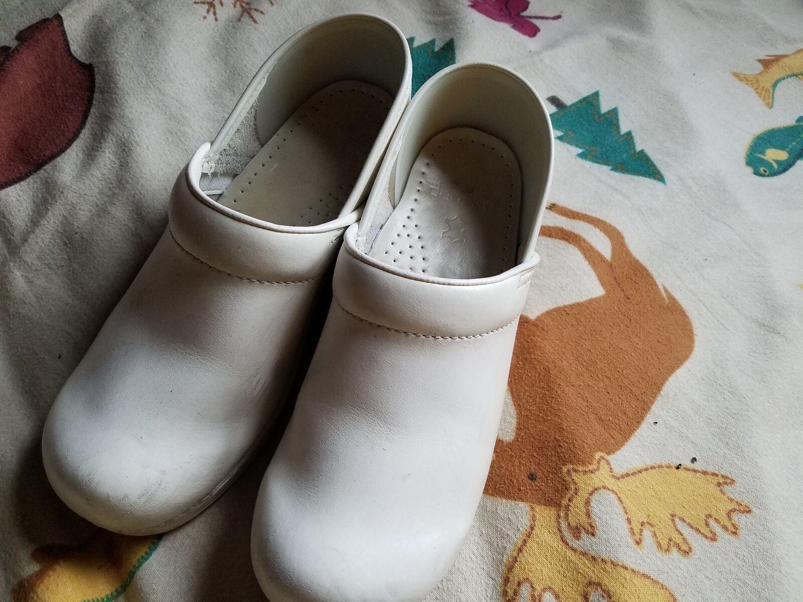 DANSKO WEISS LEATHER SLIP ON CLOG Schuhe SIZE 39