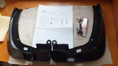 New Genuine Kia Soul 10-13 Pair front mudflaps splash guard kit  P84602K000  B9