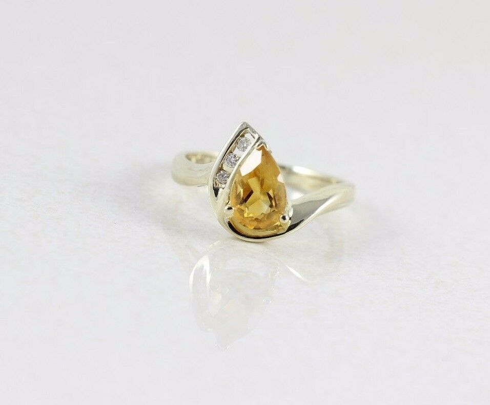 10k Yellow gold Citrine and Diamond Ring Size 7 1 4