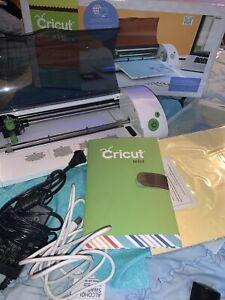 CRICUT-MINI-Electronic-Cutting-Machine-Pattern-Cutter-in-Original-Box-Used-Once