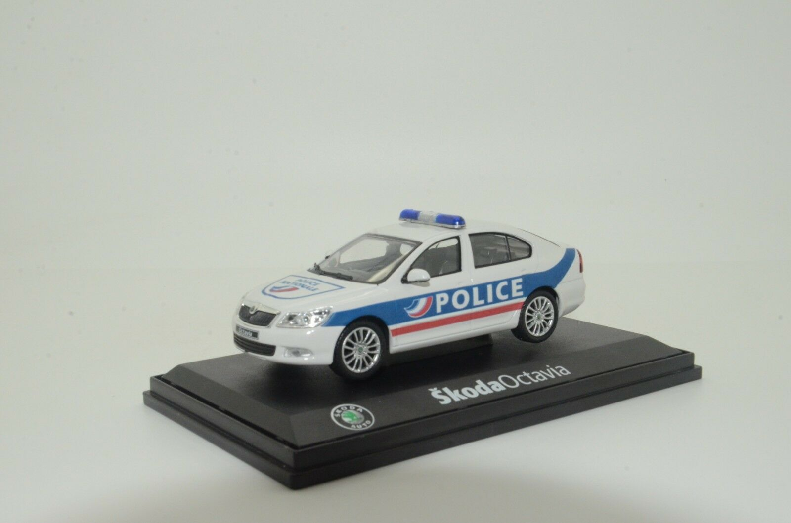 rara SKODA OCTAVIA Francia policía Hecho a Medida 1/43