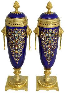 Vases-porcelaine-uhren-clock-bronze-pendule-antique-chandelier-sevres-biscuit