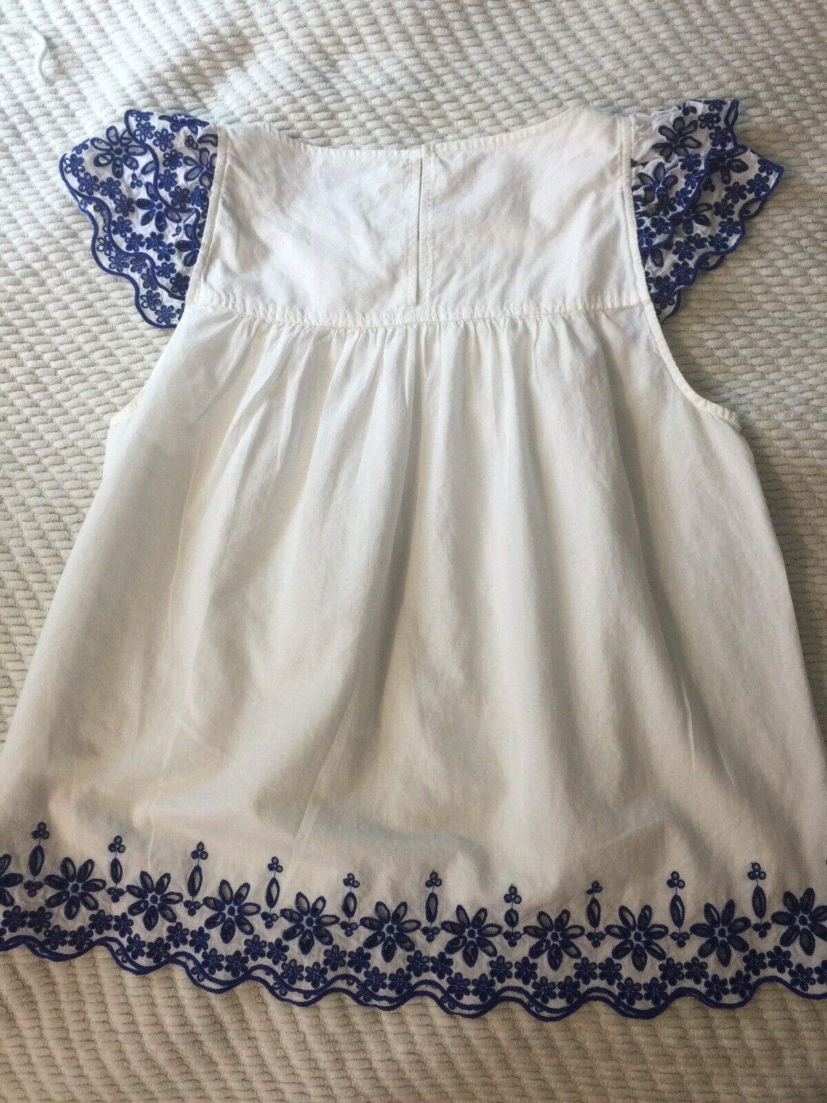 Madewell White Cotton Top Blue Eyelet Sleeves 4 - image 6