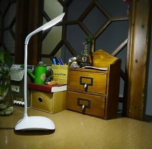 lampe de bureau usb led tactile flexible veilleuse chevet. Black Bedroom Furniture Sets. Home Design Ideas