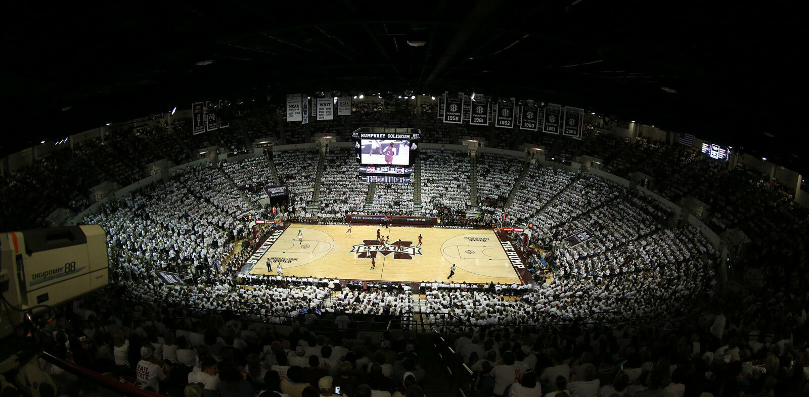 Auburn Tigers at Mississippi State Bulldogs Basketball