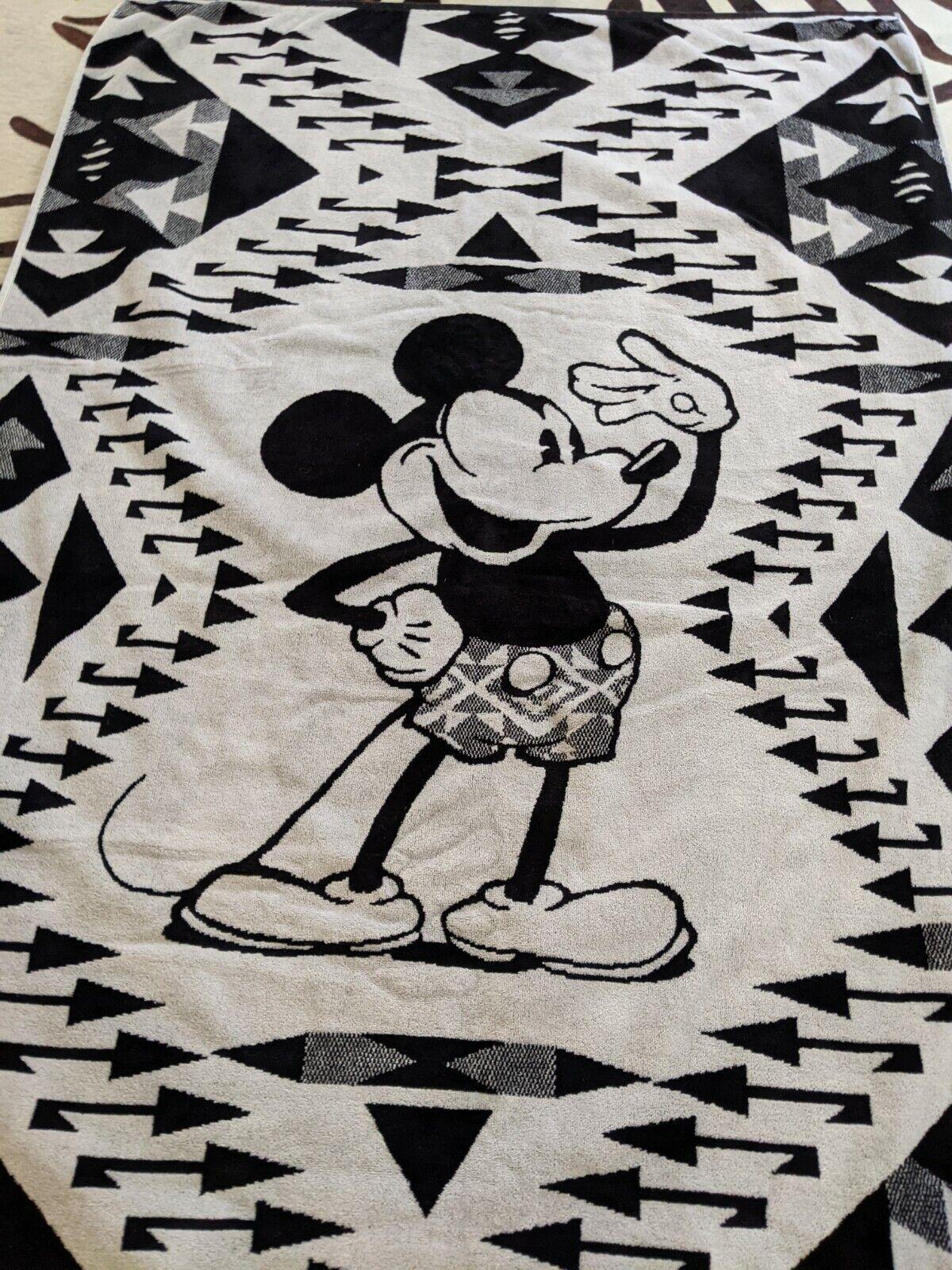 Rare Disney X Pendleton Oversized Beach Mickey Bath Towel Native Mickey GUC