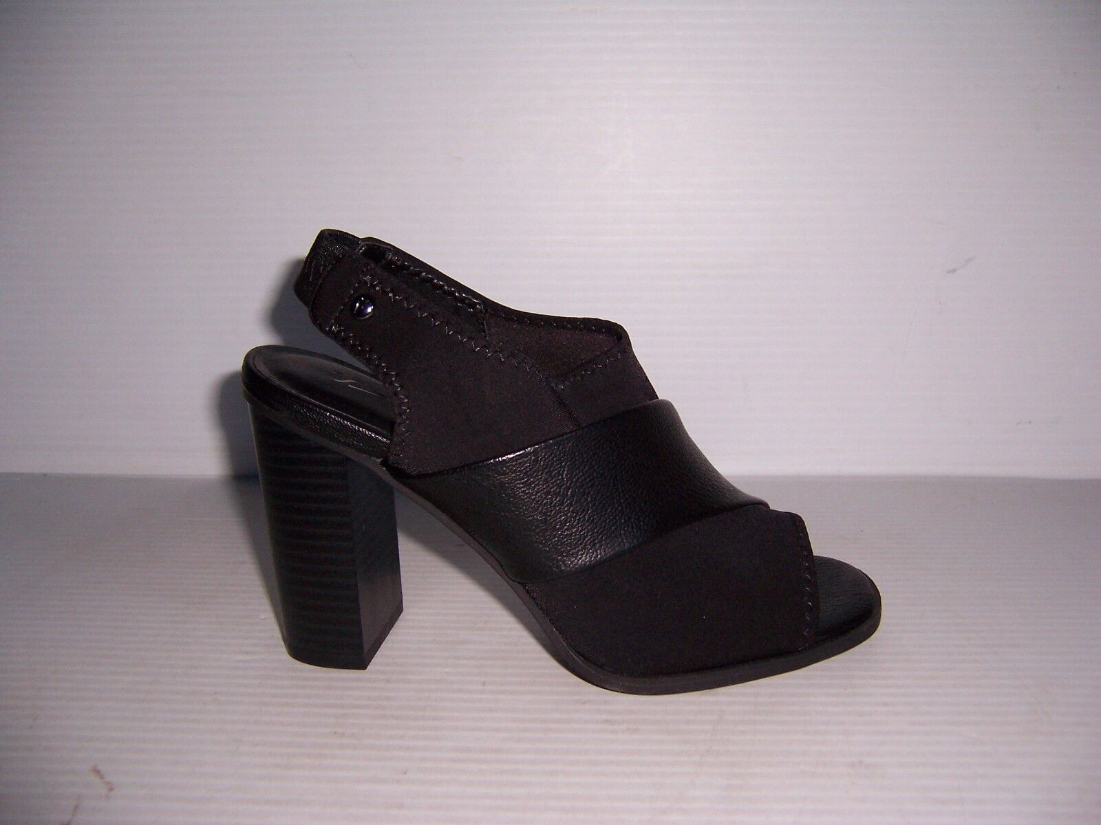 Simply Vera by Vera Wang Dani Womens Black Slingback Heels Shoes Size 6 NEW!