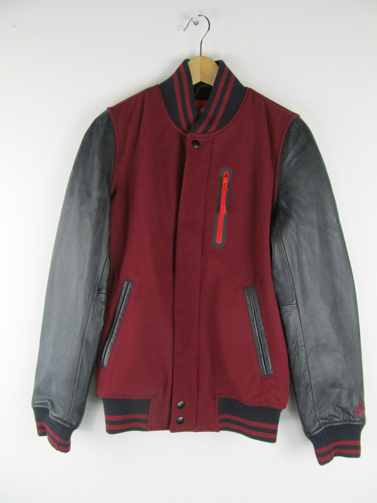 Nike Air NSW Destructor Jacke Team Max 90 Red & amp;Chaqueta negra 545942 677 Nueva XS