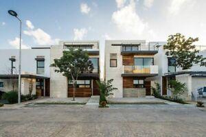 Casa de 3 recamaras con alberca privada en venta en Residencial Aqua Cancun