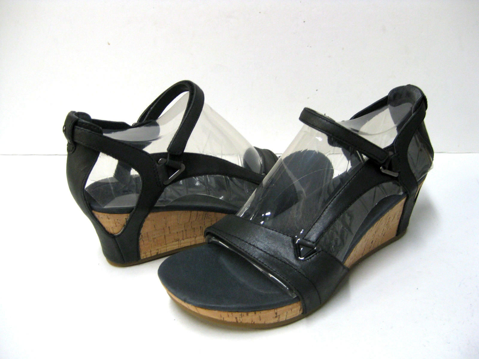 TEVA CAPRI WOMEN SANDALS LEATHER BLACK US 9  UK 7  EU 40