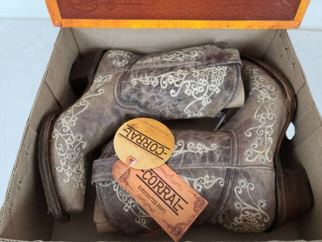 Corral Ladies Brown Crater Bone Embroidery Short Boots A3190