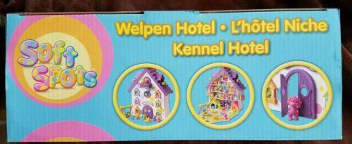 Soft Spots Kennel Hôtel avec Surprise Puppy /& Swing NEUF JAMAIS OUVERT LIVRAISON GRATUITE