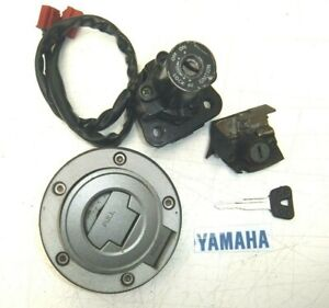 YAMAHA FZS 600 FZS600 FAZER LOCK SET IGNITION SWITCH, FUEL & HELMET 2001 - 2003