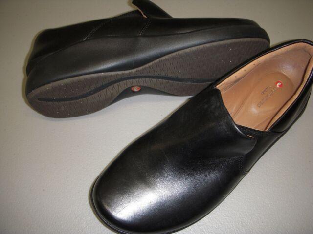 Women's Clarks Un.loop Black Leather