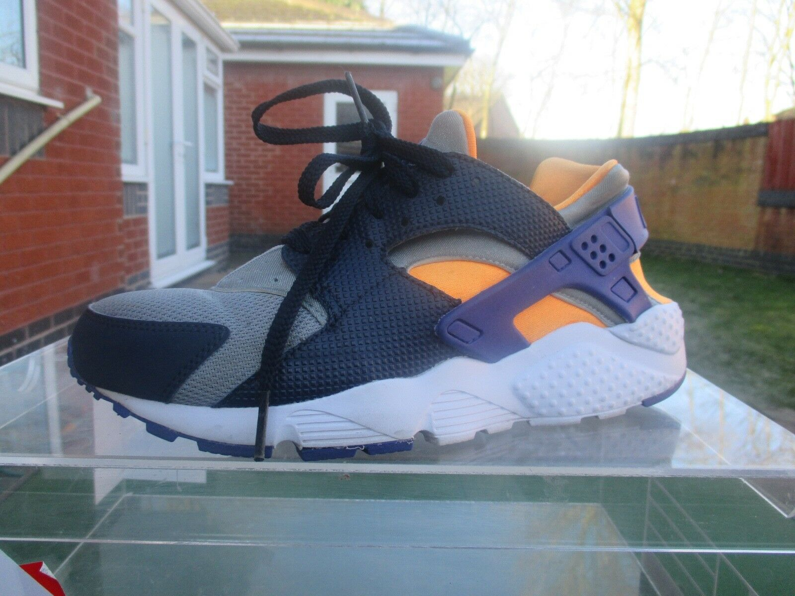RARE  2015 NIKE AIR HUARACHE WOMEN'S TRAINERS SIZE UK 5.5