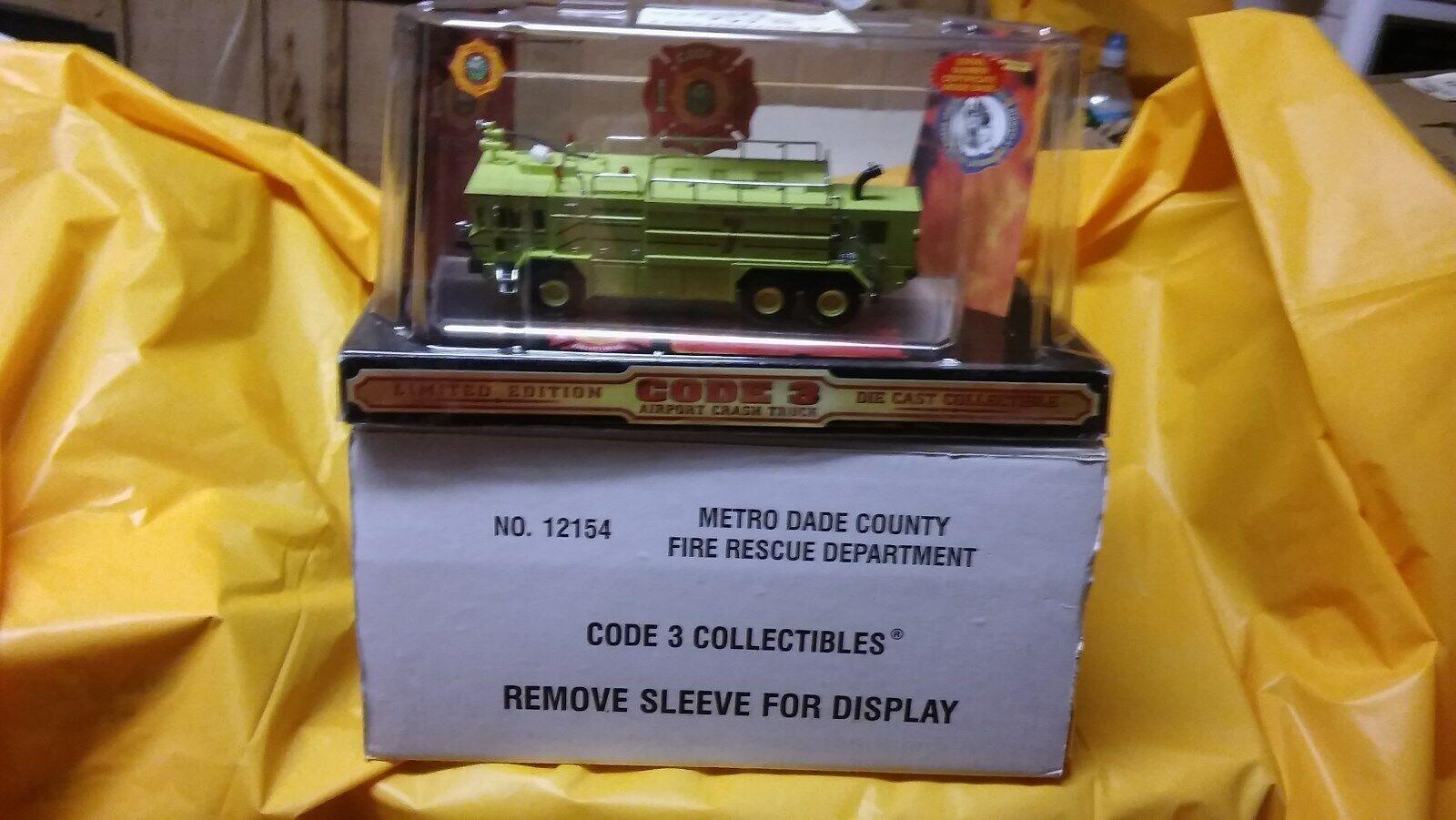 Code 3 - METRO DADE, FL Fire Rescue Oshkosh Rescue Crash Truck 7 -  Mint in Box
