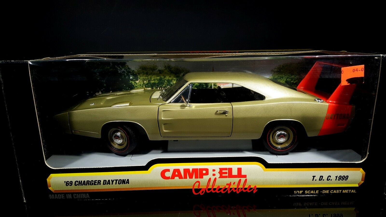 1 18 ERTL 1969 Dodge Daytona gold red stripe Campbell Collectibles gold Red Wing