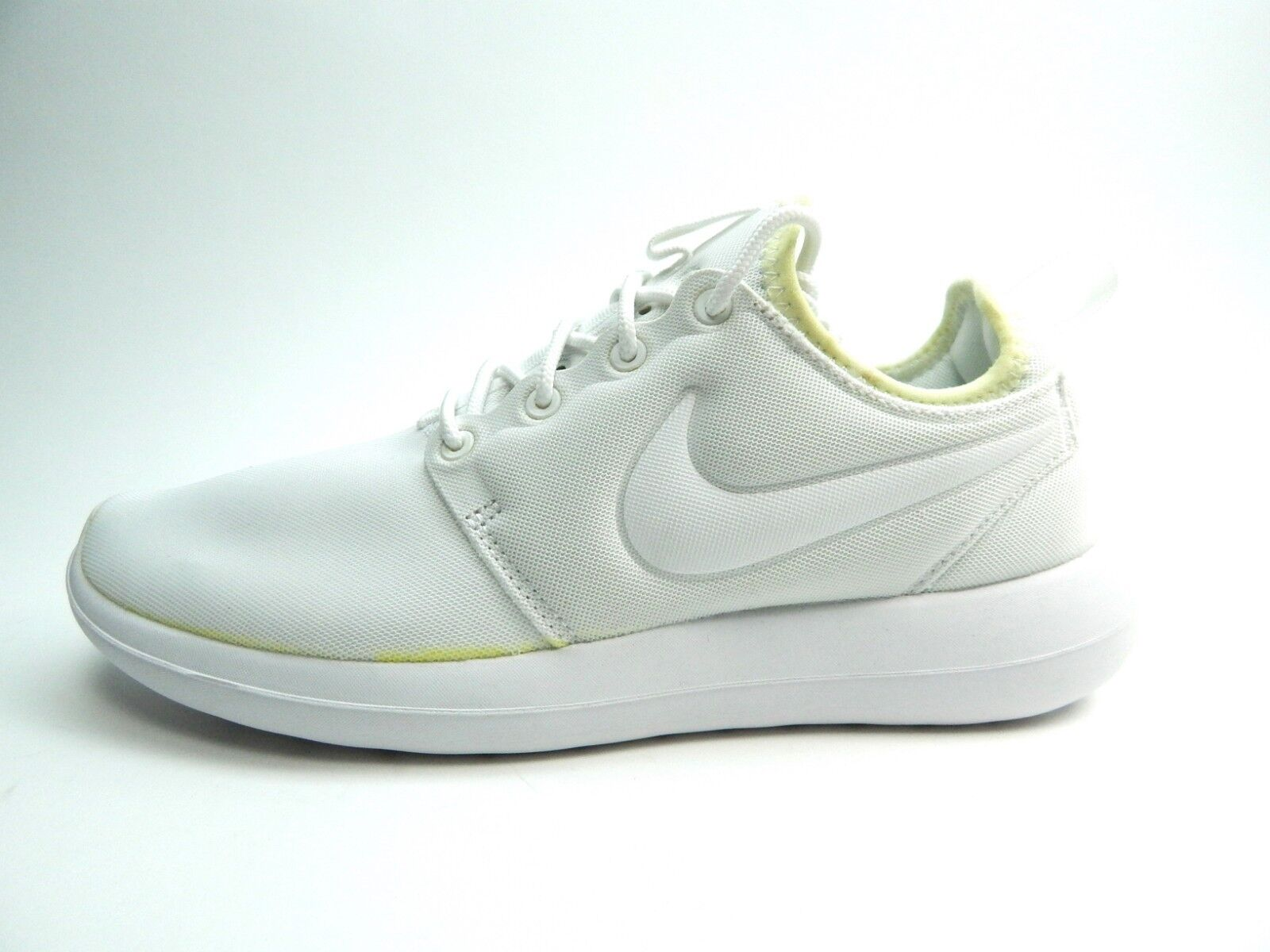 NIKE ROSHE New with defects WOMEN SHOES SIZE 7.0 WHITE 844931-100 Cheap women's shoes women's shoes