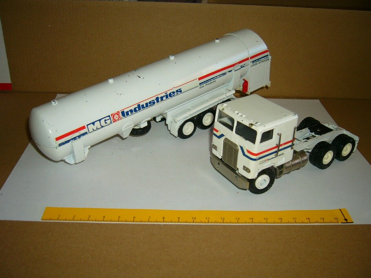 directo de fábrica Cisterna Cisterna Cisterna semirremolque de CONRAD Freightliner MG industrias 1-50  con 60% de descuento