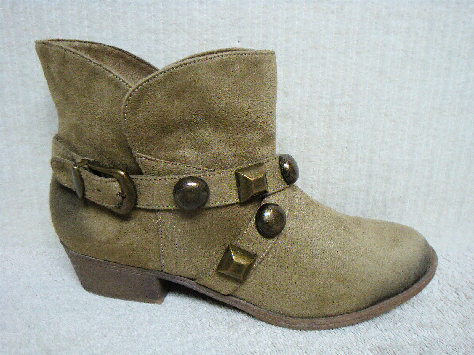 KENSIE GIRL - EMMY - Women's Short Ankle Boots -Taupe Patent Leather -Size 8.5 M