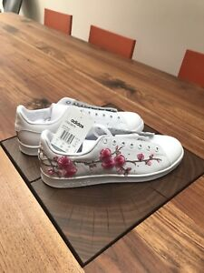 online store 6f8de 2bd8d Details about Custom Embroidered Adidas Originals Stan Smith White UK 9.5