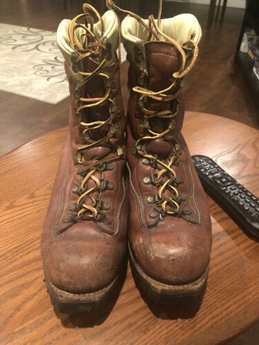 BROWN DISTRESSED CHIPPEWA LACE UP ENGINEER MOUNTAI